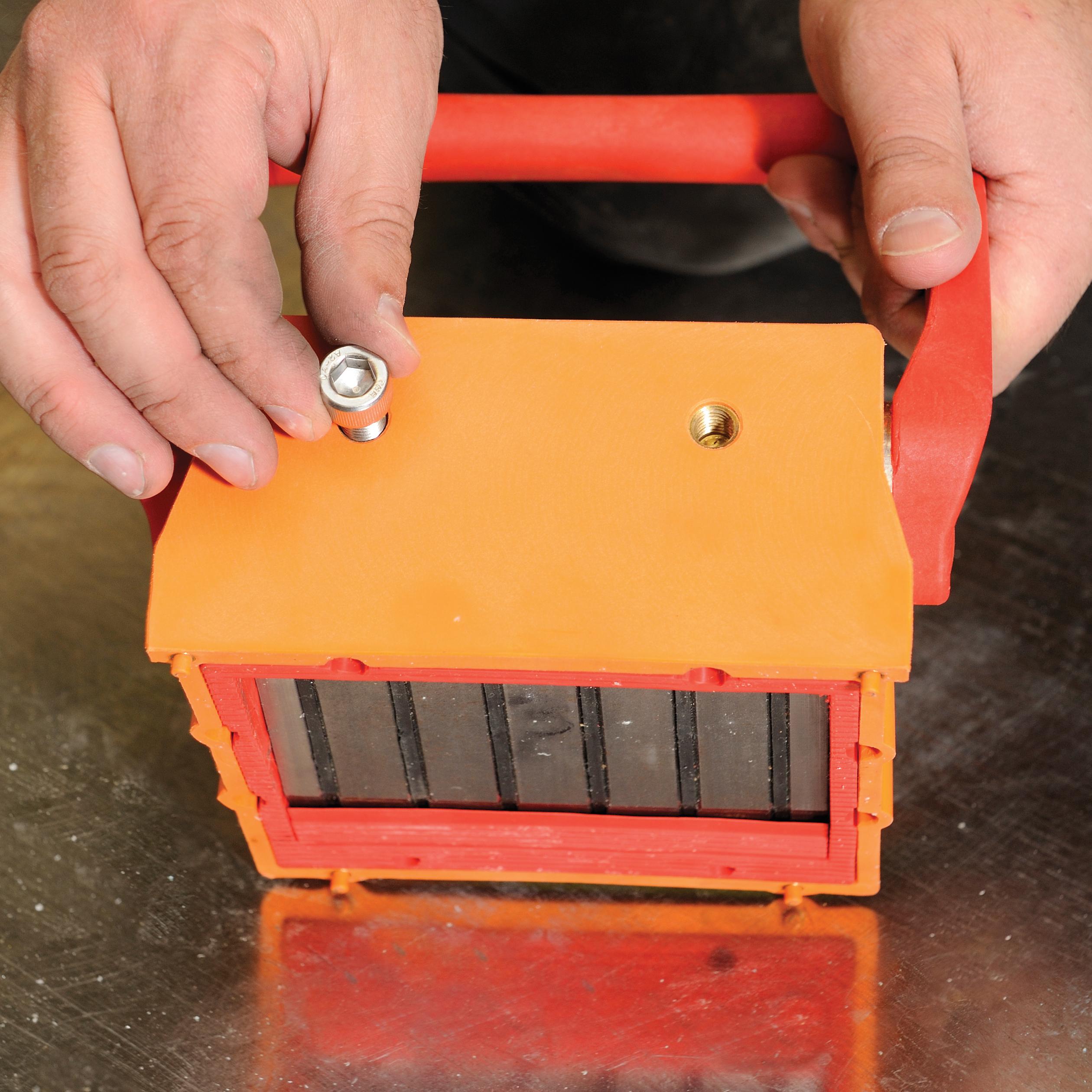 Titan precast magnet adapter plates